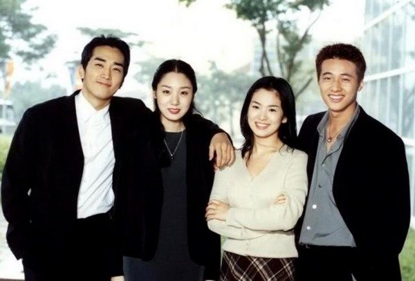 Very young looking versions of Song Seung Heon, Song Hye Kyo, and Won Bin in the drama that gave them almost instant fame in Korea and abroad.