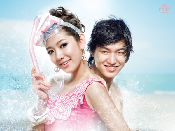Lee Min Ho and Park Shin Hye posing together for Etude House