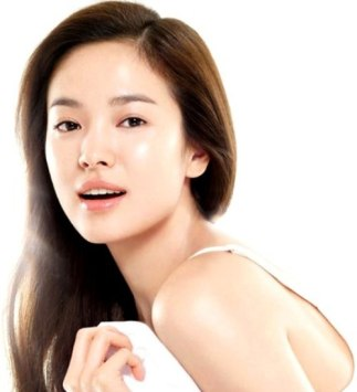 Everybody appeared to have skin just like the ever beautiful Song Hye Kyo, who even looked radiant when she played a dying girl in the classic drama